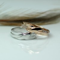 Cincin Kawin atau Cincin Tunangan Platinum Promo Emas 2g Antam Pt002
