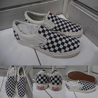 Sepatu Kets Sneakers Vans Slip On OG Checkerboard Catur Navy Blue Biru