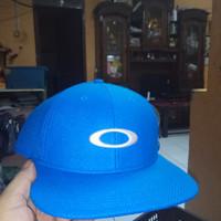 Topi Golf Oakley blue Lite Original from ebay e859faaf9b