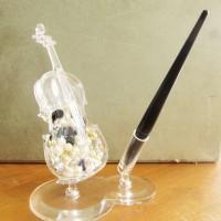 Violin Pen Despenser