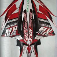 Stiker striping Yamaha Jupiter MX 135 tahun 2013 merah hitam.