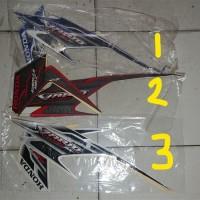 Striping lis&Stiker Body&Stiker Motor Vario Techno ...