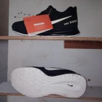 Sepatu NIKE ZOOM hitam-putih KW VIETNAM kualitas bagus