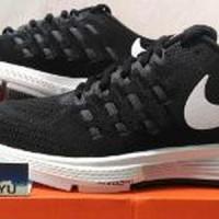 27031671_33ce54ea-a4fd-4af3-bfd6-540d7a329dd9_604_300 Koleksi Daftar Harga Sepatu Nike Zoom Ori Terlaris tahun ini