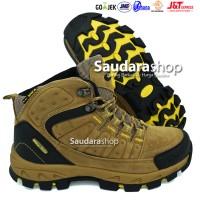 SNTA 483 Sepatu Gunung / Sepatu Hiking / Sepatu Outdoor Brown Yellow