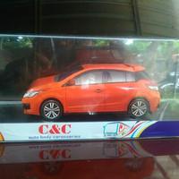 Pajangan Interior Miniatur Toyota Yaris