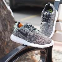 Sepatu Pria Sepatu Nike Roshe Run Pria Terbaru Sneakers Grade Original