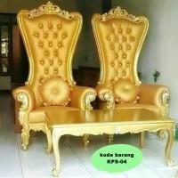 Kursi Princees Syahrini emas gold