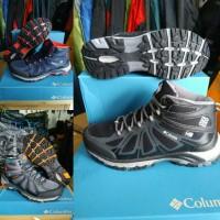 Sepatu Gunung Boot Columbia not eiger not TNF not SNTA not Rei