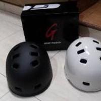 Helm Sepeda Batok / Helm BMX/ Helm Inline Skate Merk Genio Diskon