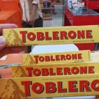 COKLAT TOBLERONE 50GR