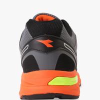 Sepatu Olahraga Sepatu DIADORA DAMIANO, Grey Orange DIARU7206GYO
