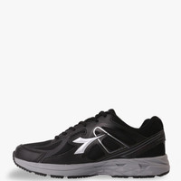 Sepatu Olahraga Sepatu DIADORA DAMIANO, Black DIARU7206BLK