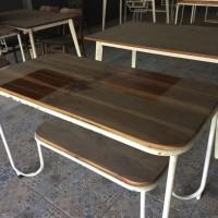 Dijual Meja dan Kursi Bekas restoran