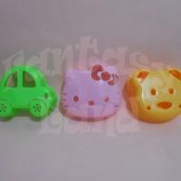 Pencetak / Cetakan Roti Sandwich Mold Motif Karakter Hello Kitty, Bear Beruang, Cars Mobil dll