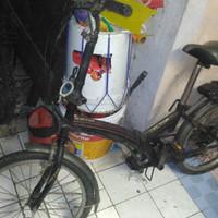 Sepeda Lipat United Vector 20