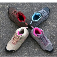 Sepatu Gunung/Outdoor Woman Series SNTA 606 + Tali cadangan