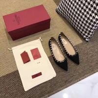 10 Daftar Harga Sepatu Valentino Ori Terbaru
