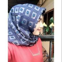 Hijab Segi empat bawal kotak / Segi Empat bawal kotak