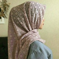 Hijab Segi Empat Uragiri Sifon