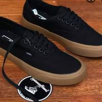 sepatu vans cocok untuk anak sekolah atau kuliah