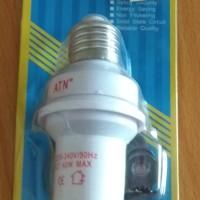 Fitting lampu otomatis (sensor cahaya)