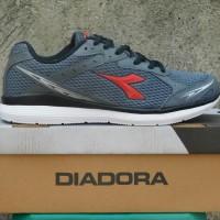 Jual Sepatu Olahraga Lari Keren juga untuk Casual Sneakers DIADORA DORIA Murah