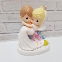 PATUNG PENGANTIN GENDONG KECIL - TOPPER WEDDING CAKE PMW13