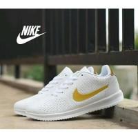 Harga dijual sepatu lari running sporty wanita nike white   Pembandingharga.com