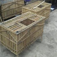 Kandang Ayam Dari Bambu