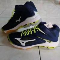 Coba Deh Produk Sepatu Volly Mizuno Wave Lightning Z3 Mid Lengkap ... 9dd02ae1ac
