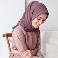 Hijab Segi Empat untuk Kerja Sekolah Tegak Di Dahi Scarf 110x110cm