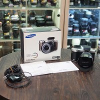 Samsung NX300 / nx300 kit 18-55mm - Good Condition