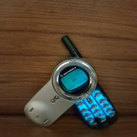 HP Handphone Unik Motorola V70 Original Normal Bukan V60 V3 V8