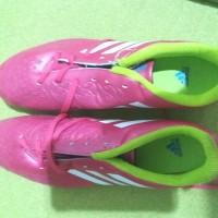 Sepatu Bola Adidas Samba Pack Predito – Pink 45 1/3