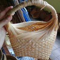 Keranjang telur kemasan oleh-oleh souvenir bambu tempat telor