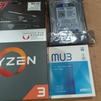 PC RAKITAN GAMING DESIGN AMD RYZEN 3 2200G RADEON RX 560 2GB DDR5