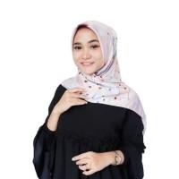 Harga Jilbab Segi Empat Satin Motif Travelbon.com