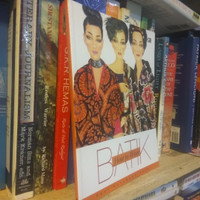 Buku How To Wear Batik by Reni Kusumawardhani -ORI
