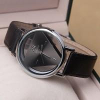 Jam Tangan Triangle Quartz - YQ007 - hitam,