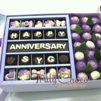 kado hadiah anniversary cokelat Trulychoco special tema ungu
