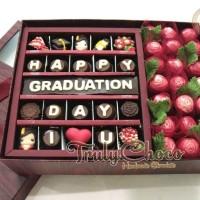 Hadiah Kado wisuda Cokelat Trulychoco special