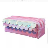 Smiggle Fringe box pencil case