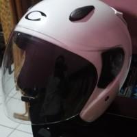 Helm cargloss ycn putih bekas size M