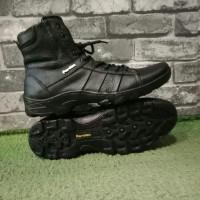Sepatu boot kulit asli