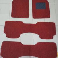 Karpet Mie 3 Baris Warna Merah Mobil Mobilio