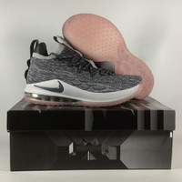 Sepatu Basket Lebron 15 Low Oreo Tapak Pink