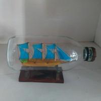 Miniatur Kapal Dalam Botol Besar