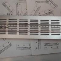 Ventilator Lubang Ventilasi Udara Kotak Bahan Plastik Silver 80X300 mm