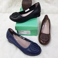 Harga Sepatu Clarks Murah - Daftar 83 Produk Harga Promo Bulan ... 31cfb8aacf